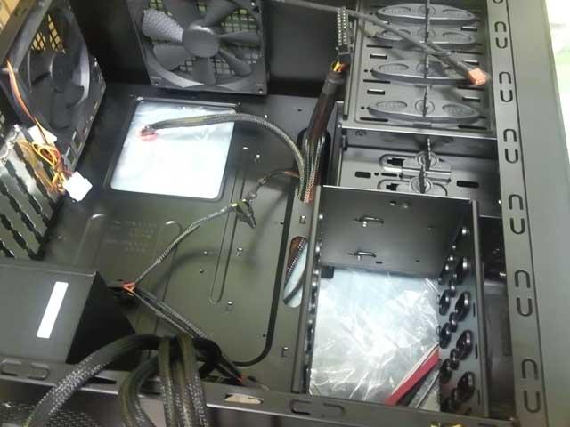 コンピュータ10