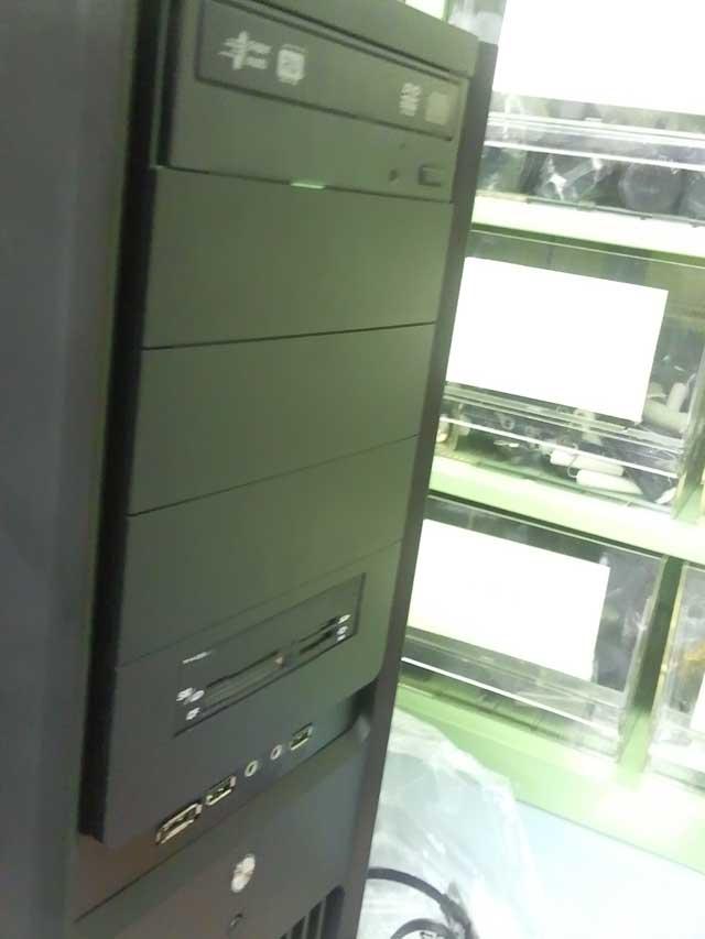 コンピュータ16