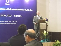 DSCF3592-10UBM CEO