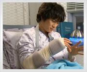 外科医の命、右手をけがして・・・・
