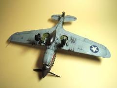 P-40E040.jpg