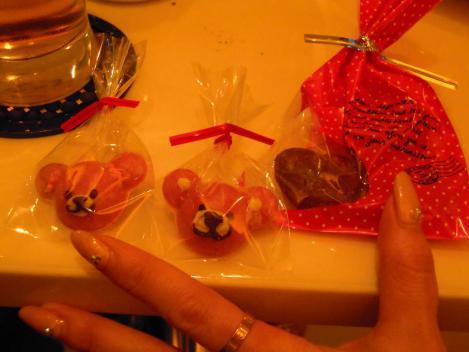 キャバ嬢のMちゃん手作りのくまのプーさんチョコレートをデジカメショットしました.