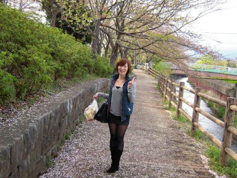 キャバ嬢の美里ちゃんと沼津市の門池で花見デートをした時の美里ちゃんのデジカメ写真です