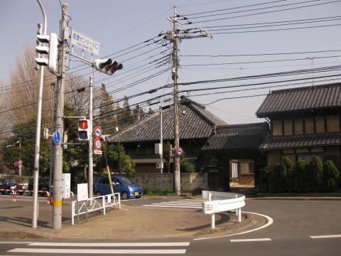 医療センター入口信号