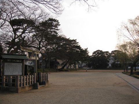 聖徳太子堂と御用米蔵跡