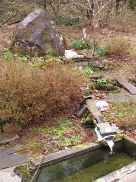 山王茶屋跡に残る湧き水