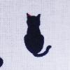 赤いビーズの猫