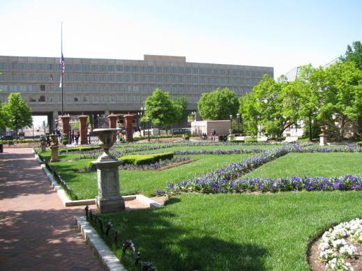 Smithsonian_castle05.jpg