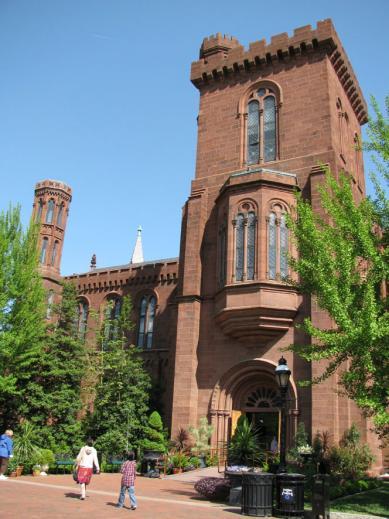 Smithsonian_castle_back01.jpg