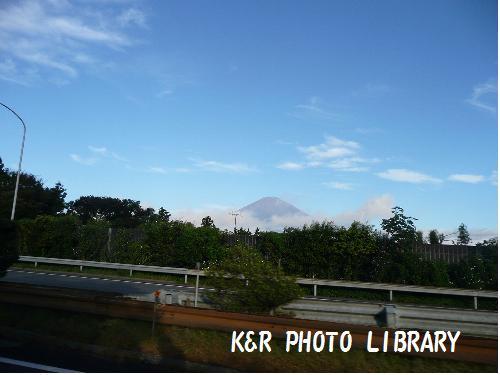 右手に富士山