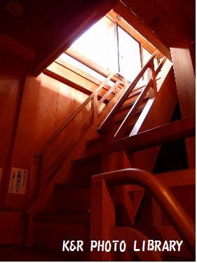 さらに階段