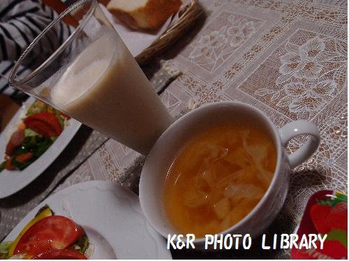 スープとバナナジュース