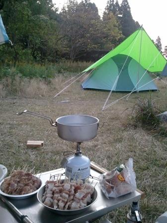 焼き鳥とテント