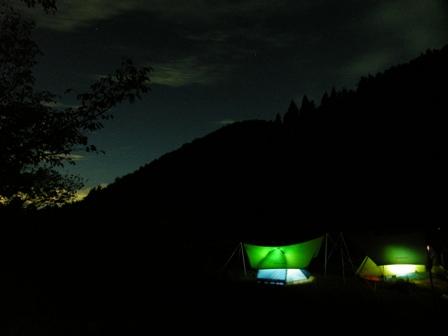 テントと星