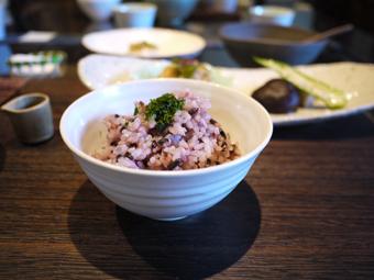 古代米と飯碗