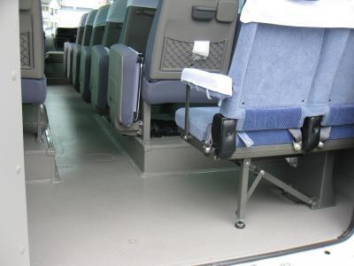 最後列右側(片側2席設定の場合)