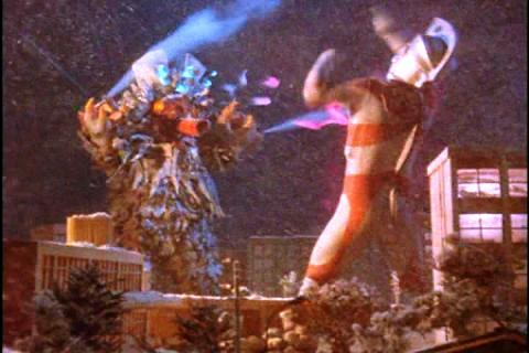ウルトラマンエースvs雪超獣スノーギラン
