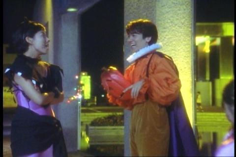 「ウルトラマンティガ」第8話「ハロウィンの夜に」 ダイゴ&レナ