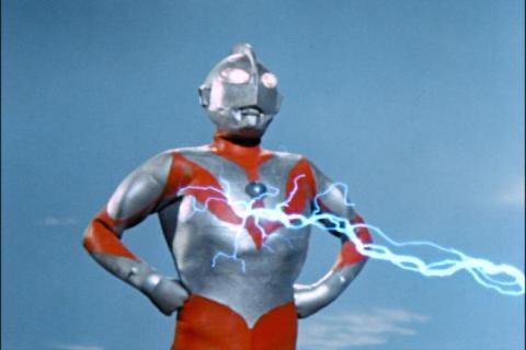 ウルトラマンには、ネロンガの電撃が全く通じなかった