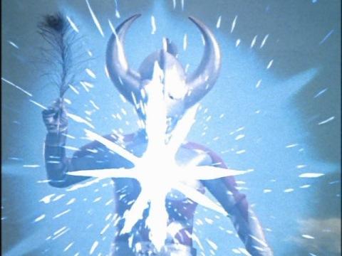 ウルトラフェザーを放つウルトラの父