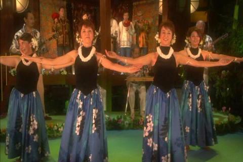 ウルトラ4ヒロインによるフラダンス