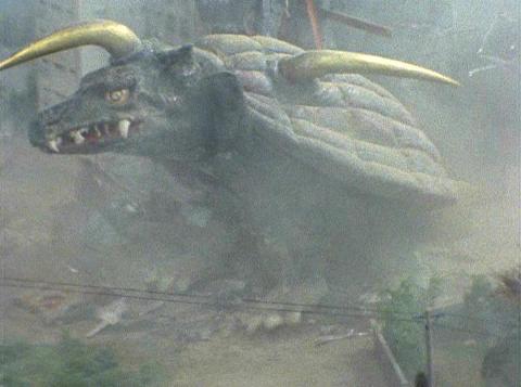 マンション怪獣キングストロン