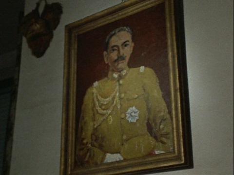 軍人だった岸田隊員の父親(肖像画)