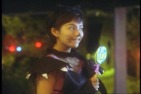 「ウルトラマンティガ」第8話「ハロウィンの夜に」 レナ