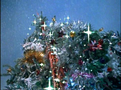 クリスマスツリーに変えられた東京タワー