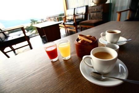 おめざ。コーヒー&和三盆。