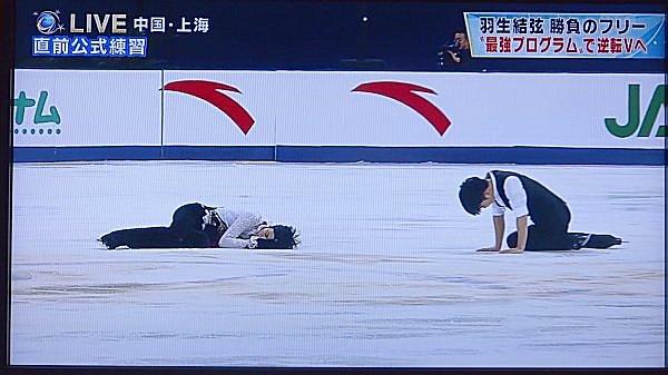 03_自力で起き上がるエンカン選手
