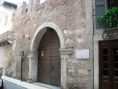 201104-Italy-084-DSCN2237s.jpg