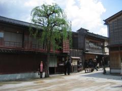 higashityayagai1.jpg