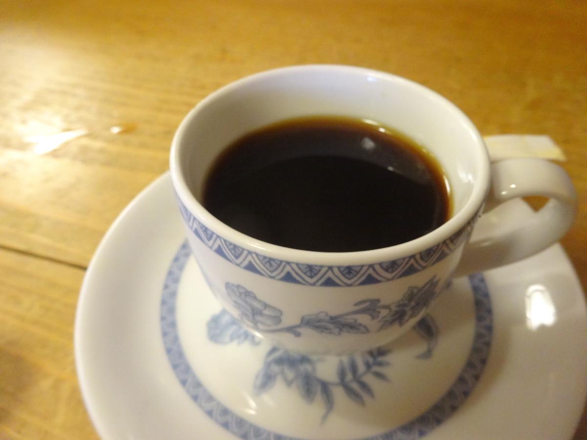 寿司屋なのにコーヒーも付く