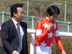 ウィナーズサークル:武豊騎手と藤原先生