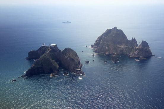 竹島(上空から)