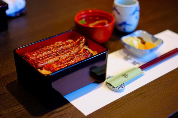 鰻重 / Broiled eels on rice