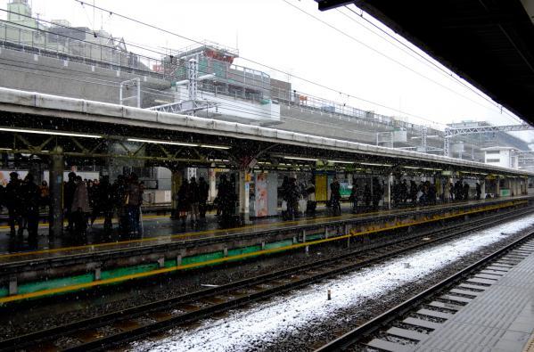 雪の神田駅 / Snowy Kanda Station