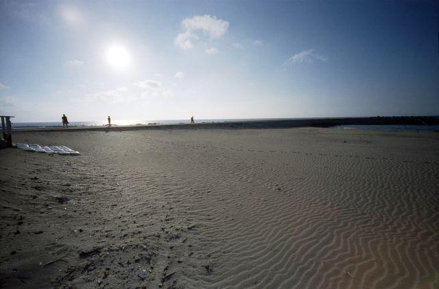 朝の浜辺02