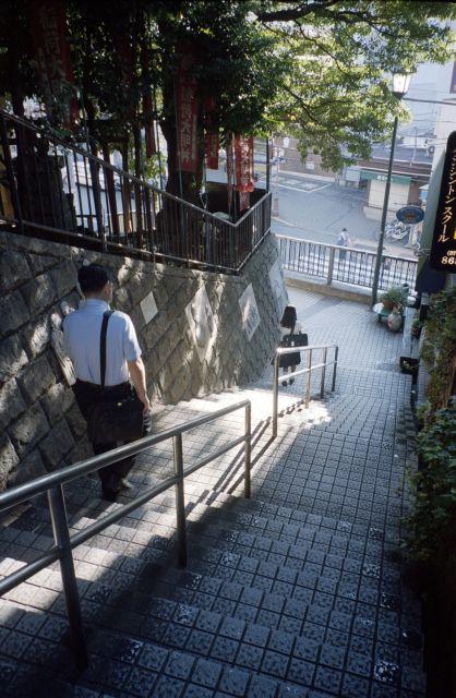 朝の階段01