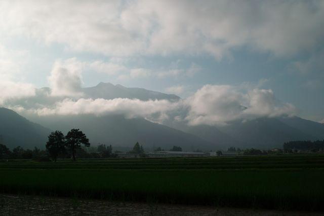 梅雨時の南魚沼01a