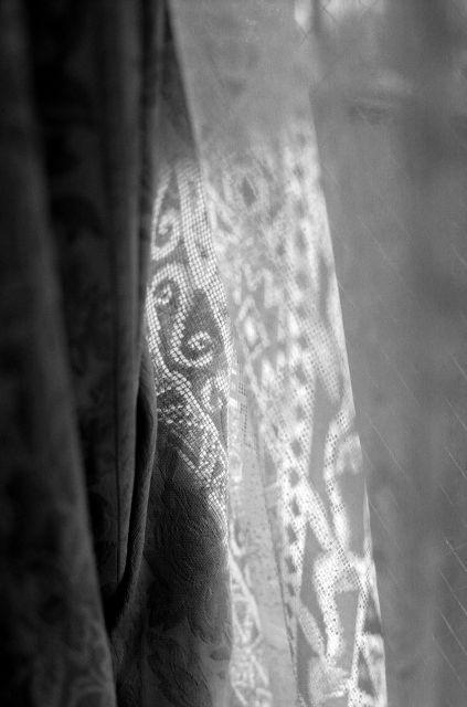 curtain01a