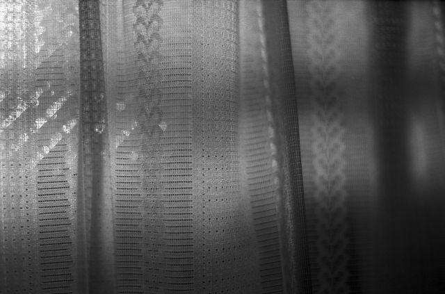 curtain01b