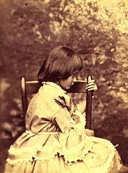 180px-Liddell,_Alice_Pleasance_in_profile_(Lewis_Carroll,_Summer_1858)