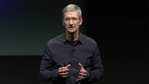 tim-cook-iphone-4s-live-video.jpeg