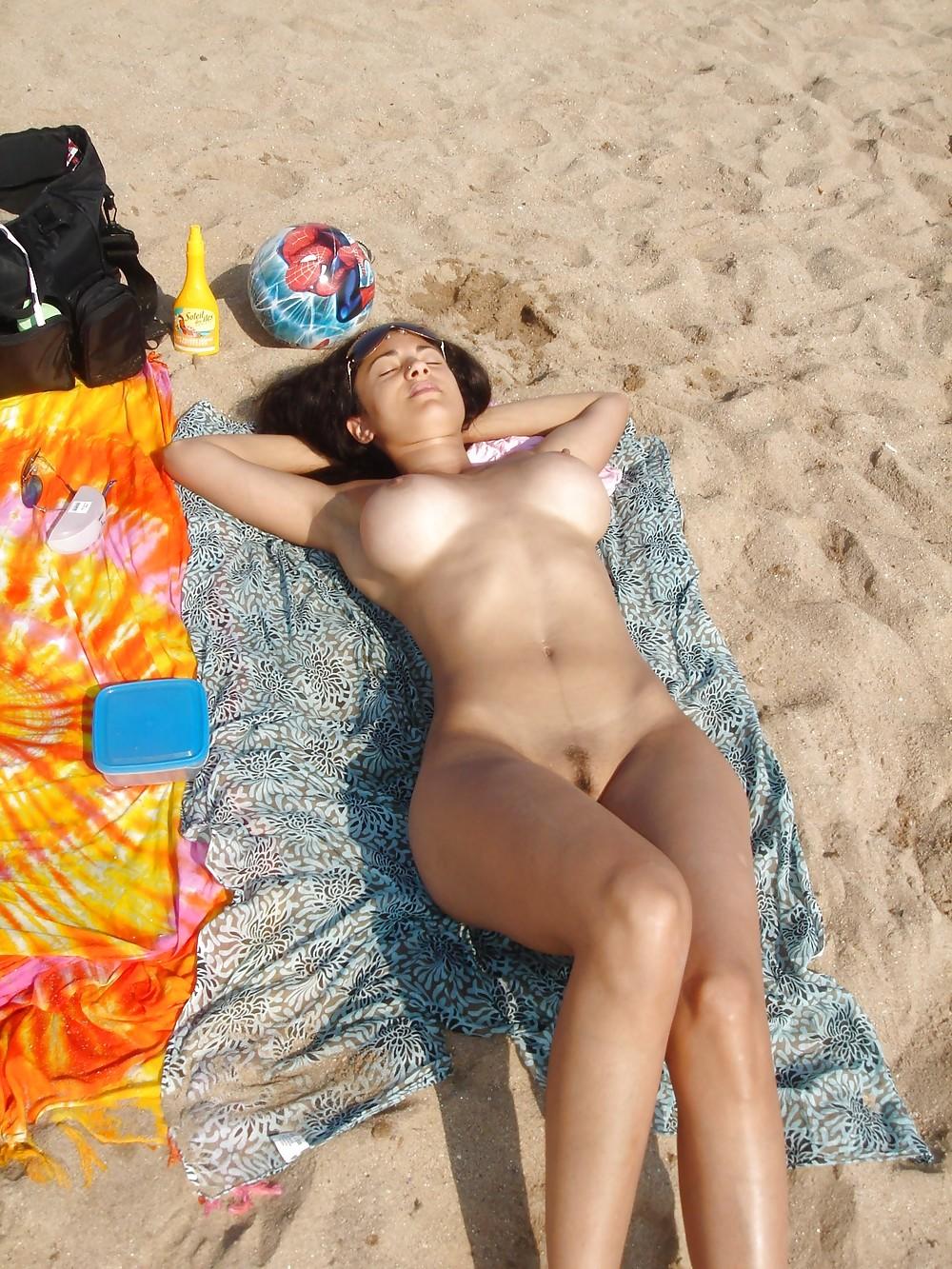 ヌーディストビーチ 27