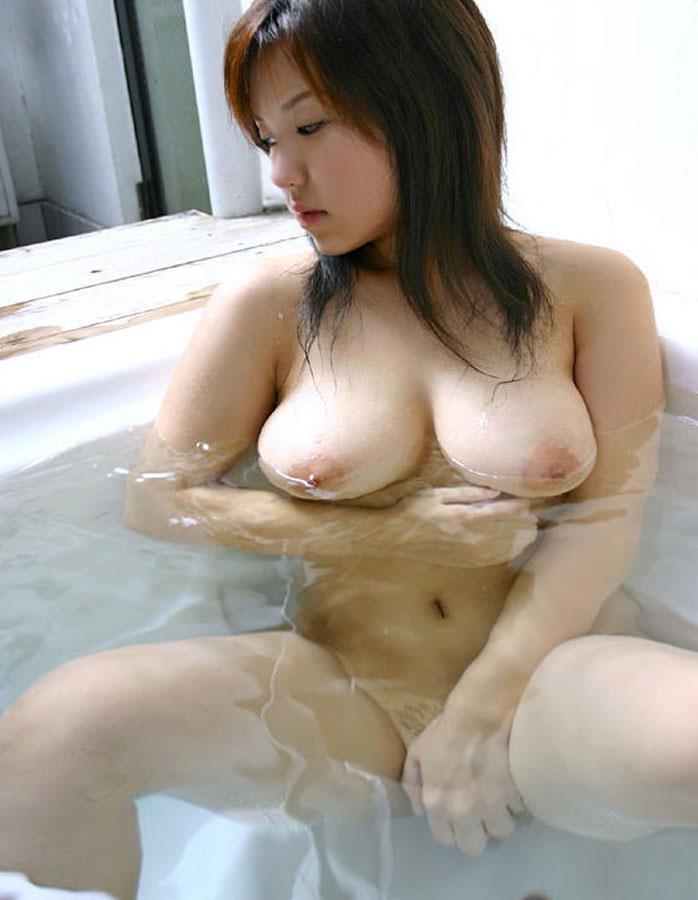 お風呂に入っている女の子 画像 34