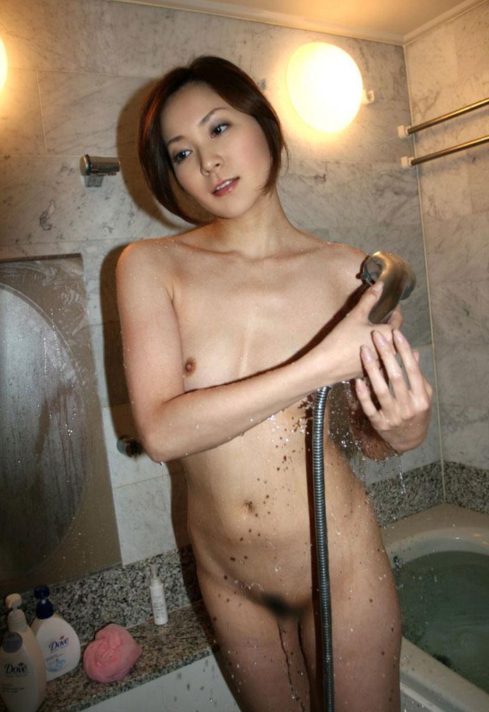 お風呂に入っている女の子 画像 37