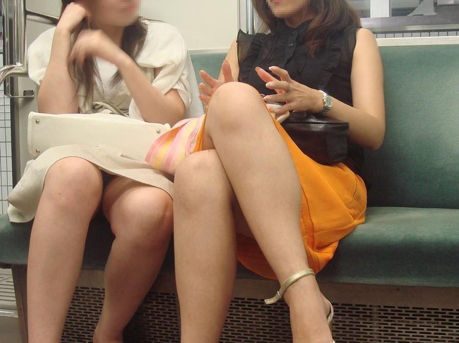 電車内 パンチラ 画像 6