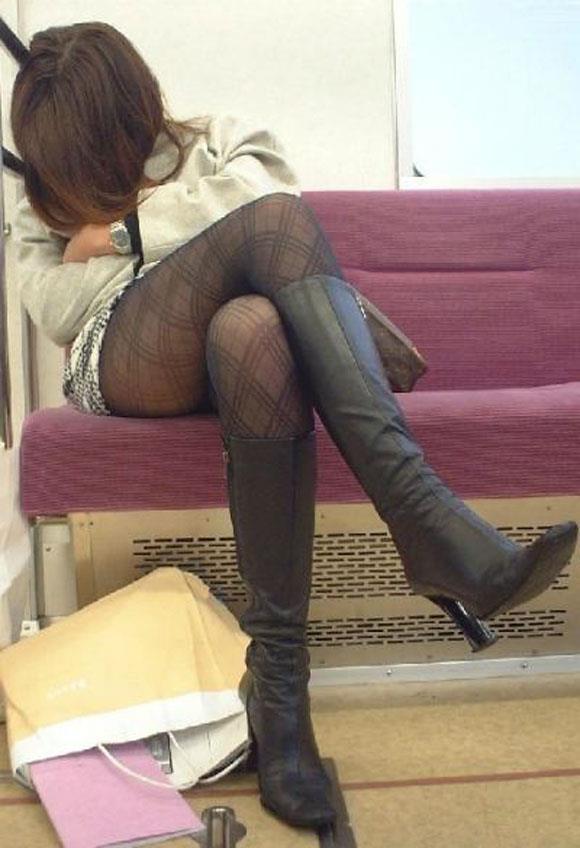 電車内パンチラ 画像 20